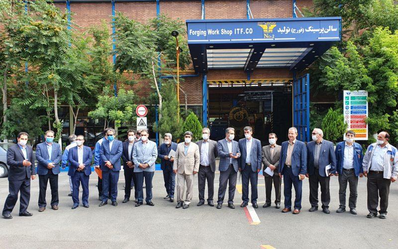 بازدید اعضایی کمیسیون کارگری و کمیته مدیریت بر واکنش های کارگری استان از شرکت آهنگری تراکتورسازی ایران